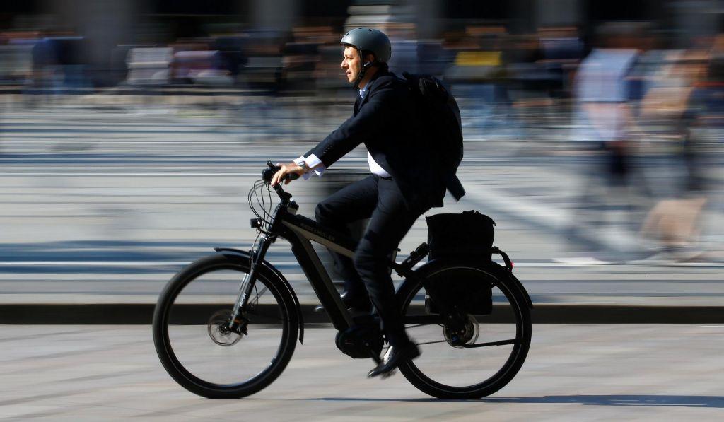 FOTO:Električna kolesa so trend, a navadnih ne bodo izrinila