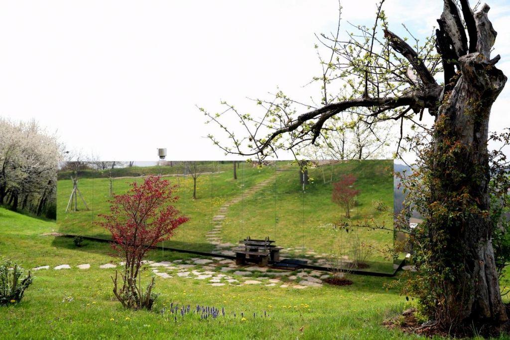 FOTO:Poletov potep: Okrepčajmo se pri slatinskem vrelcu v Nuskovi
