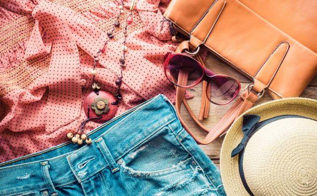 Oblačila Foto Shutterstock