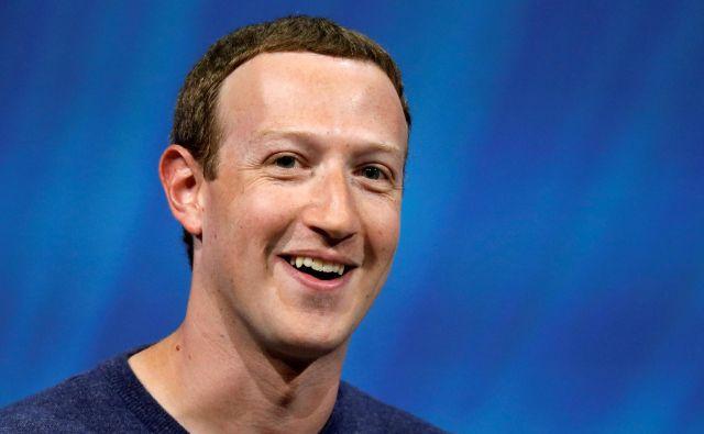 Mark Zuckerberg in pediatrinja Priscilla Chan sta se spoznala na Harvardu novembra 2003. FOTO: Charles Platiau/Reuters