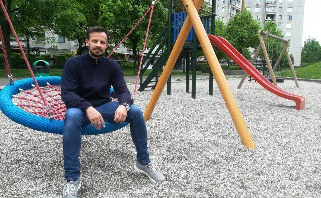 Mladen Kopasić: »Pomembno je, da se znaš pohecati. Že droben nasmeh je za otroke čarovnija.« Foto Mojca Boštele