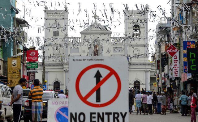 Na Šrilanki so po napadih, v katerih je 21. aprila umrlo več kot 250 ljudi, močno poostrili varnostne ukrepe. FOTO: AFP