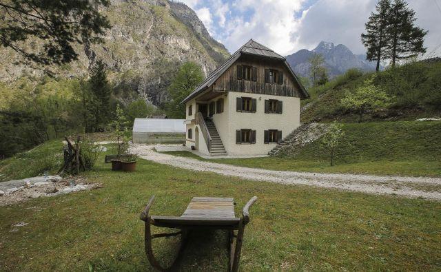 Kmetija ponuja apartmaje, sobe, spanje na senu, domačo ekološko hrano in wellness. Foto Jože Suhadolnik