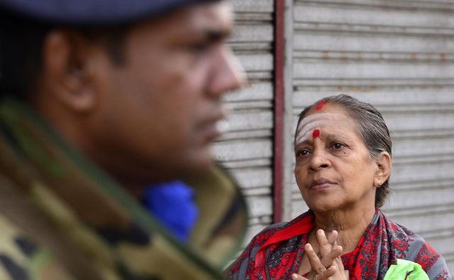 Za izgon pridigarjev se je vlada odločila zaradi bojazni, da bi tuji pridigarji lahko radikalizirali domačine in bi se lahko ponovili samomorilski bombni napadi, je dejal Aberywardena. FOTO: Lakruwan Wanniarachchi/AFP