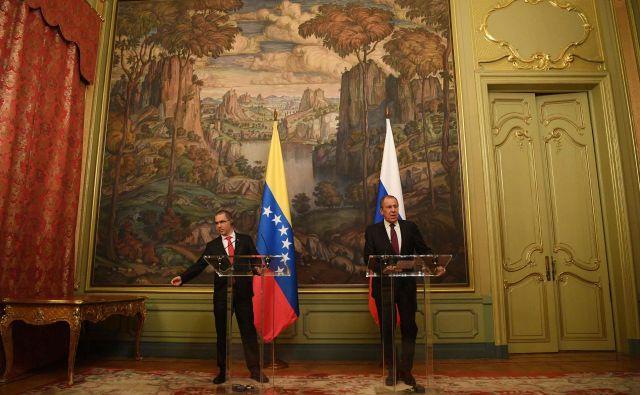 Ruski in venezuelski zunanji minister Sergej Lavrov in Jorge Arreaza. FOTO: Kirill Kudryavtsev/AFP