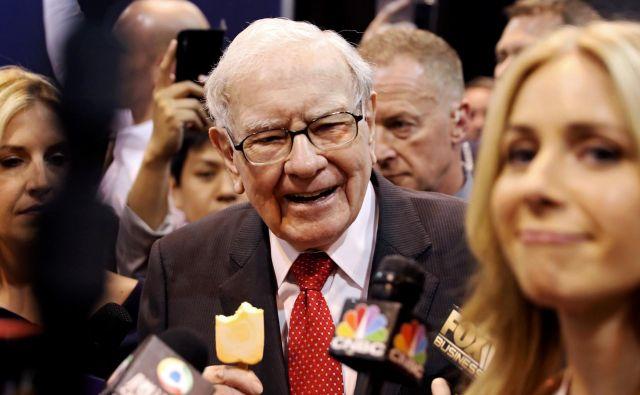 Zaradi Buffettove karizmatičnosti so njegovi nastopi vselej zelo priljubljeni. FOTO: Reuters