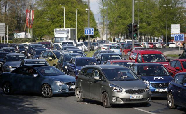Obremenjenost avtocestnih odsekov se je v desetih letih povprečno povečala za skoraj četrtino. Foto dokumentacija Dela