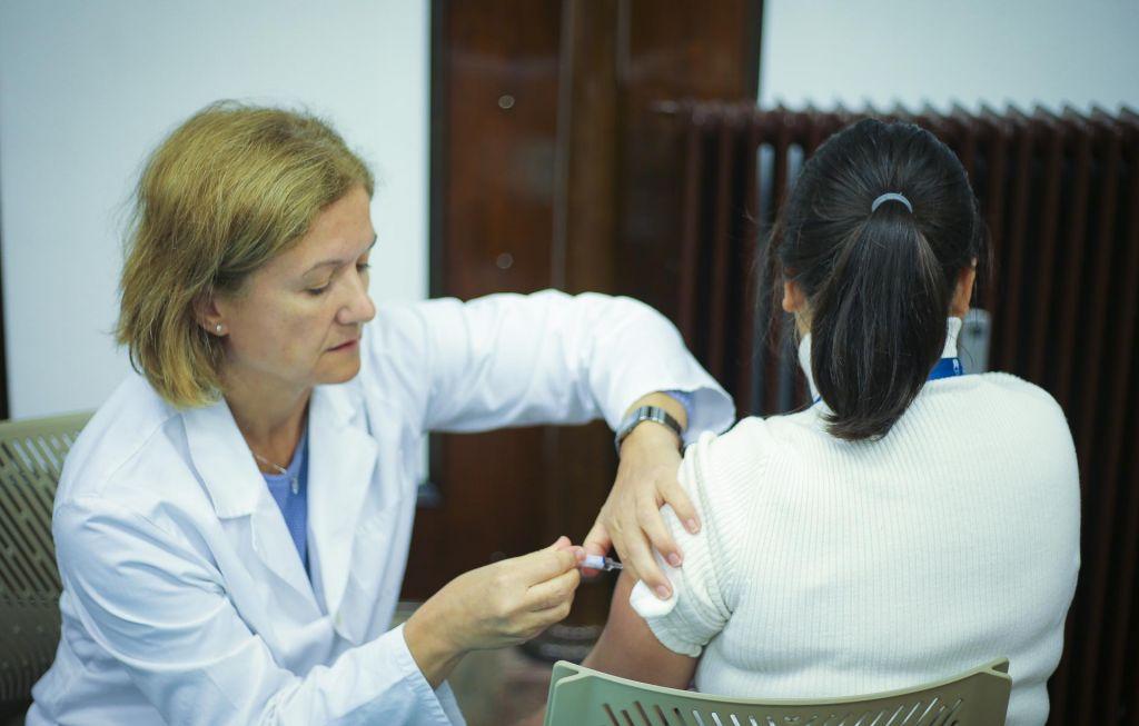 »Nismo še zreli za ukinitev obveznega cepljenja«