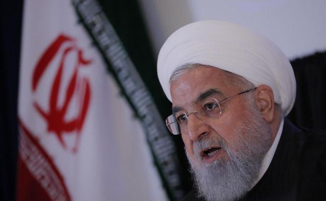 Predsednik Hasan Rohani, bo Irana prenehal spoštovati omejitev proizvodnje obogatenega urana. Foto: Reuters