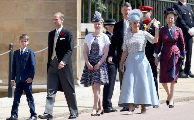 Družina najmlajšega otroka Elizabete II.: sin James, viskont Severn, princ Edward, grof Wesseški, hčerka grofična Louise Windsor in žena Sophie, grofica Wesseška. FOTO: Reuters