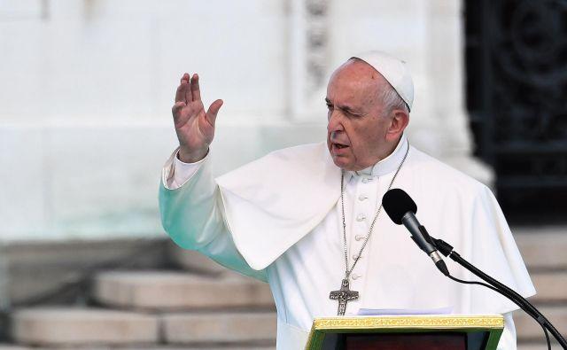 Vse škofije po svetu bodo po novih pravilih morale do junija 2020 vzpostaviti sistem za poročanje o zlorabah, ki jih zagreši kler. FOTO: Andreas Solaro/AFP