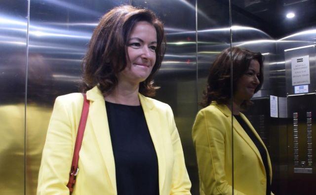 Tanja Fajon na kariernem zmenku v dvigalu. Foto: A. S. H.