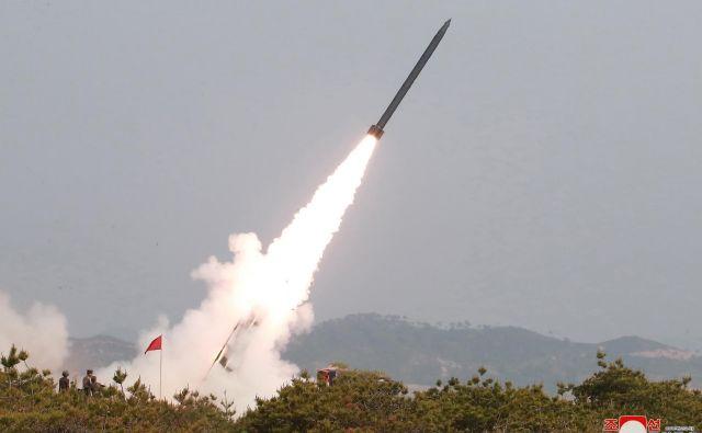 Izstrelki so predvsem Kim Džong Unovo sporočilo Ameriki. FOTO: Reuters