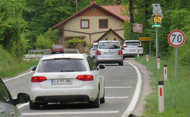 Blizu križišča za naselje Smrjene je država končala z gradnjo tretjega pasu. FOTO: Bojan Rajšek/Delo