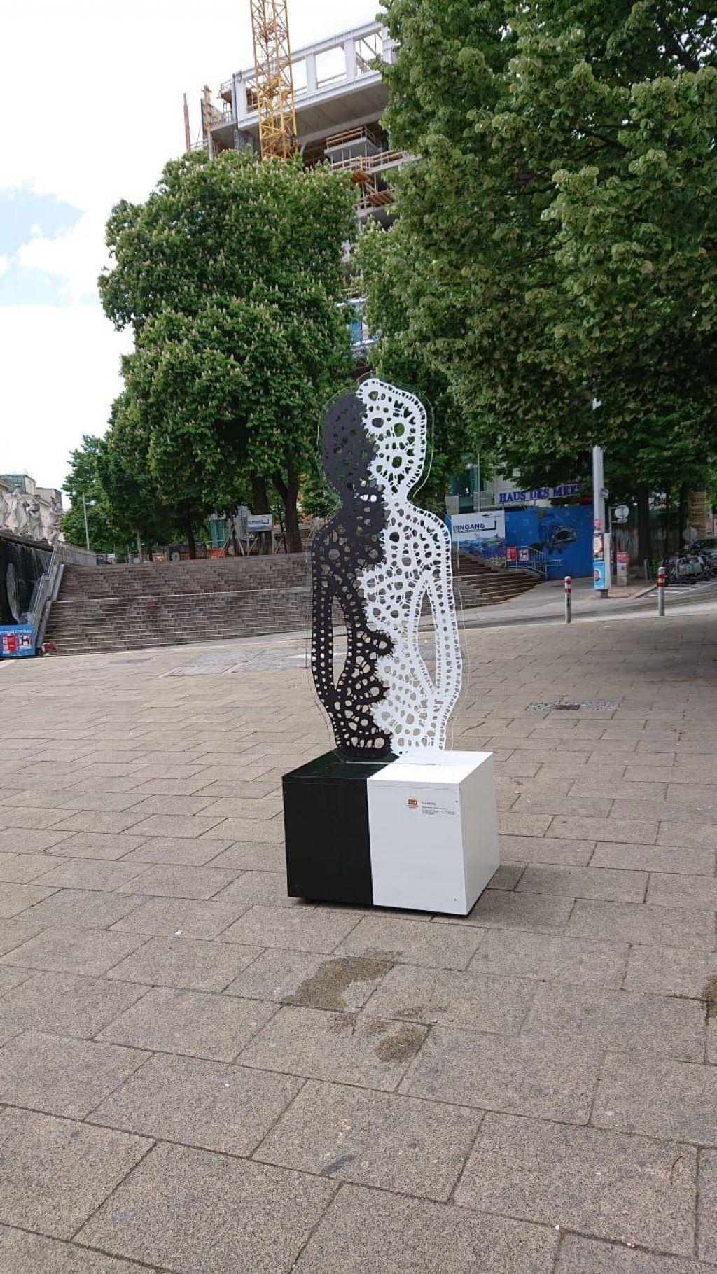Idrijska lepotica krasi ulico avstrijske prestolnice