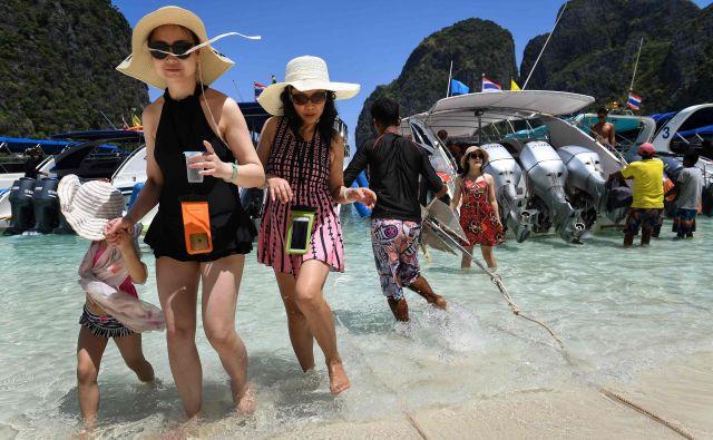 Pred zaprtjem je plažo Maya obiskalo okoli pet tisoč ljudi na dan. FOTO: Reuters