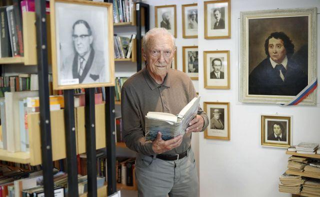 Zakon o dolgotrajni oskrbi, ki je v pripravi, vse hujših težav v domovih za starejše, tudi zaradi pomanjkanja kadra, ne bo rešil, opozarja prof. dr. Ignacij Voje. Foto Leon Vidic