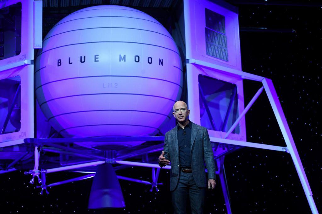 Bezos dolgo sanjal o vesoljskem plovilu, zdaj ga ima