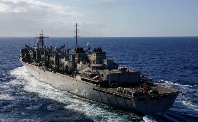 Napotitev USS Arlington na Bližnji vzhod je bila podobno kot v primeru letalonosilke načrtovana že dlje časa. FOTO: Reuters
