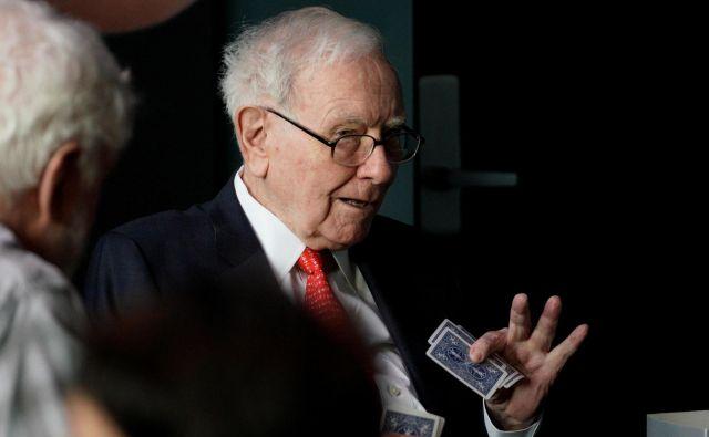 Warren Buffett in Bill Gates pravita, da ju je branje oblikovalo in mu pripisujeta svoj poslovni uspeh. FOTO: Reuters