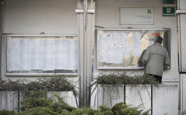 Na zavodu za zaposlovanje je bilo leta 2013 prijavljenih 124.015 brezposelnih. Lani jih je bila dobra tretjina manj, zavod pa je imel 68 zaposlenih več, skupaj 1016 ljudi. FOTO: Uroš Hočevar