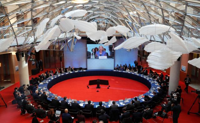 Na neformalnih podnebnih pogovorih v Berlinu razpravljajo o tem, kako lahko države še izboljšajo svoj prispevek k zmanjšanju izpustov ogljikovega dioksida. FOTO: Reuters<br />