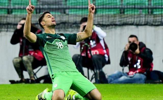 Rok Kronaveter je bil edini strelec pri zadnji odmevnejši zmagi Slovenije. Zadel je oktobra 2016 proti Slovaški. Foto AFP