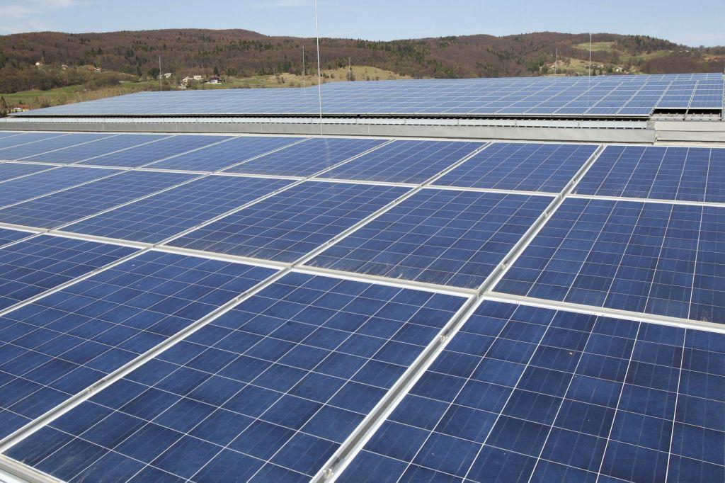 Napoved življenjske dobe premaza za sončne elektrarne