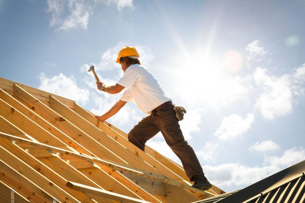 Pri delu v Avstriji imajo največ težav gradbinci