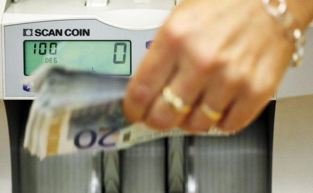 Država bo za regres v javnem sektorju namenila nekaj več kot 140 milijonov evrov.FOTO: Jože Suhadolnik/Delo