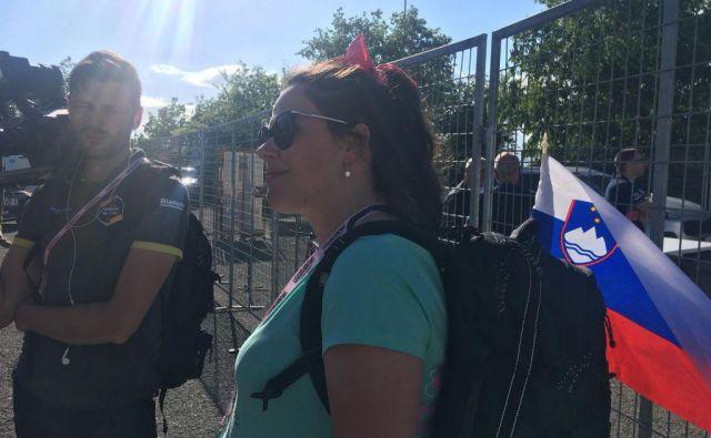 Lora Klinc pozorno spremlja svojega Primoža. FOTO: Miha Hočevar