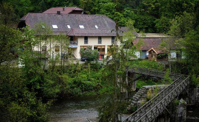 Hotel, v katerem so našli prva tri trupla. FOTO: AFP