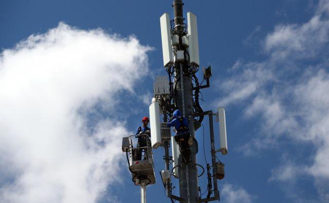 5G bo najprej uveden v velikih mestih, ob pomembnih prometnih poteh ter na industrijskih območjih. FOTO: Reuters