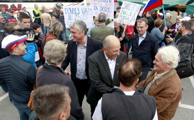 Z besedami, da gre za predvolilno propagando SDS, je Marjan Šarec zavrnil sestanek Sveta za nacionalno varnost, srečanje v Črnomlju, ki so se ga udeležili tudi številni kandidati na evropskih volitvah, pa označil za strankarski shod. FOTO: Roman Šipić/Delo