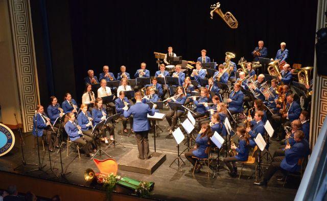 Orkester pripravlja prvomajske budnice, tradicionalne novoletne in spomladanske koncerte, srečanja treh dežel in se redno udeležuje tekmovanj. FOTO: Foto Železar Jesenice