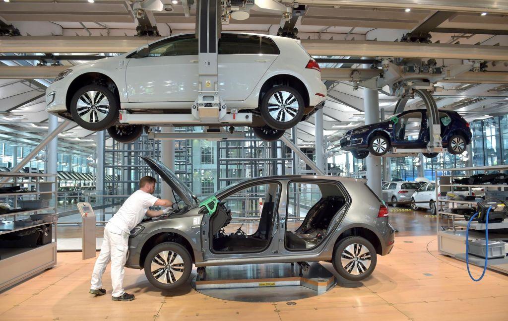 FOTO:Volkswagen bo v Salzgittru gradil tovarno baterij za e-avtomobile