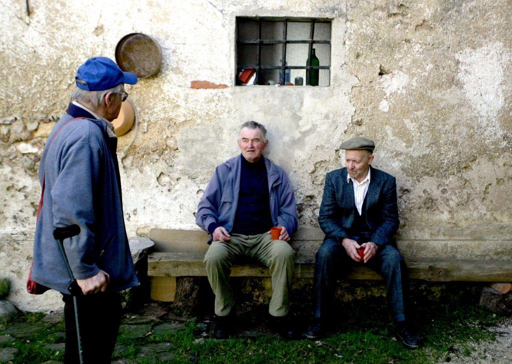 FOTO:Starejši moški so močno odvisni od partnerk