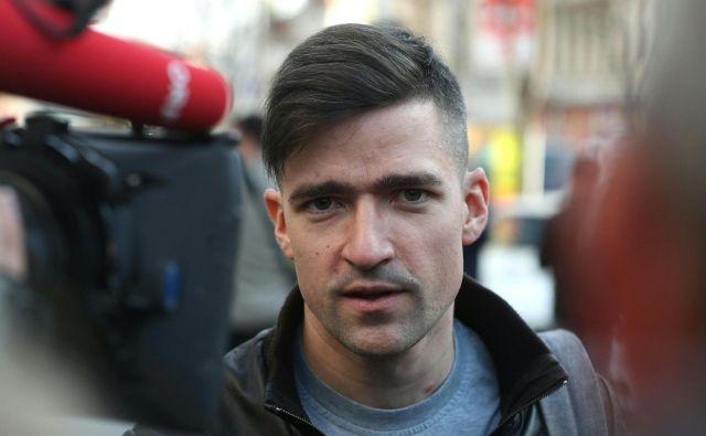 Martin Sellner je vodja skupina IBÖ, ki je znana po svojih protimigrantskih stališčih. FOTO: AFP