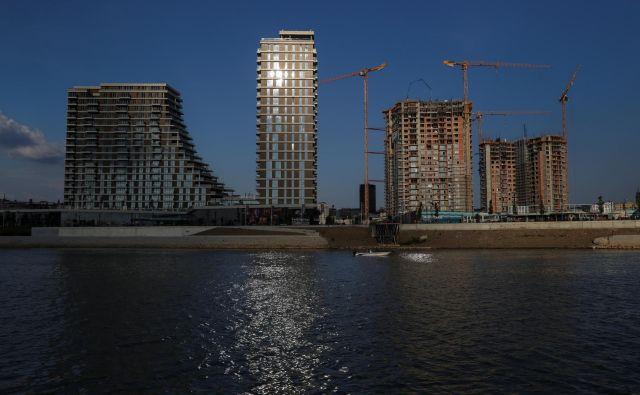 Beograd se zbuja iz dolgoletne vojne in povojne depresije, vezi se obnavljajo. FOTO: Reuters