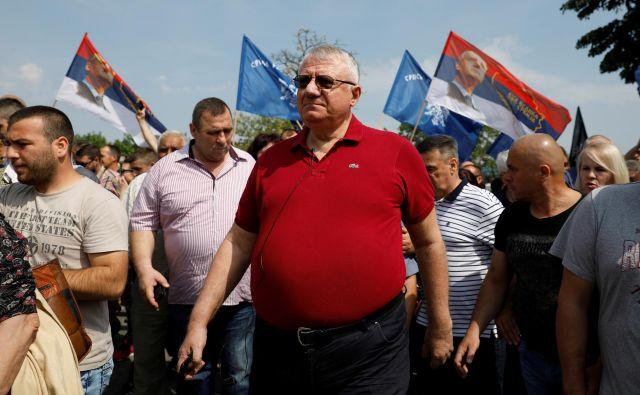 Radikalci izzivajo napetosti v Hrtkovcih, kjer je Vojislav Šešelj pozival rojake, naj deportirajo vojvodinske Hrvate. FOTO: Marko Djurica/Reuters