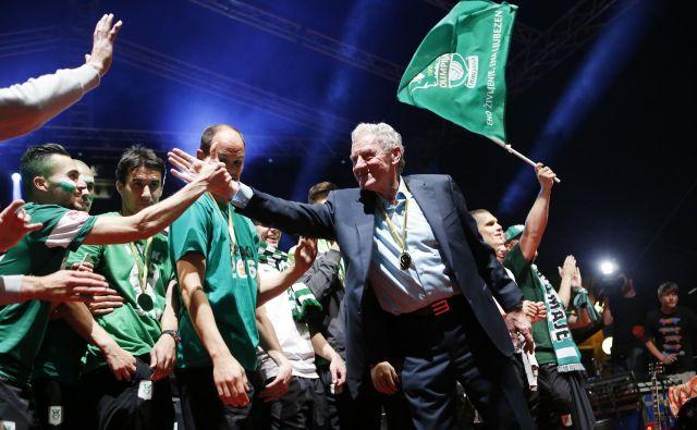 Milan Mandarić je že v prvem letu štiriletnega mandata predsednika Olimpije v Ljubljano prinesel prvo od dveh šampionskih zvezdico, pri katerih je imel eno od najvidnejših vlog tudi Rok Kronaveter. FOTO: Uroš Hočevar/Delo