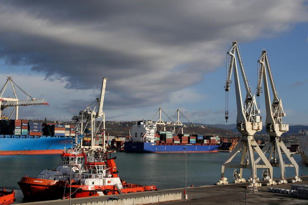 Neznanec najavil eksplozijo bombe v koprskem pristanišču