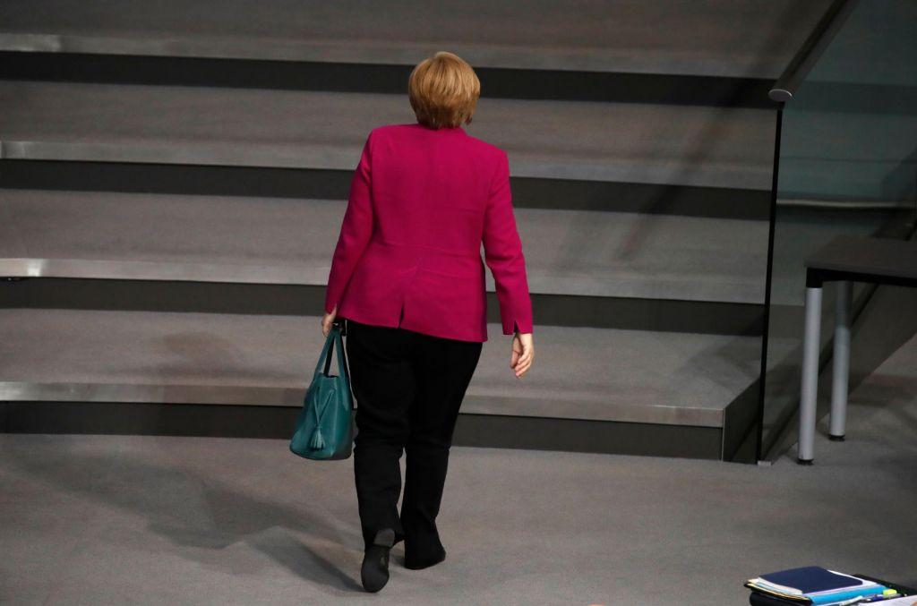Konec ugibanj: Merklova se ne bo selila v Bruselj