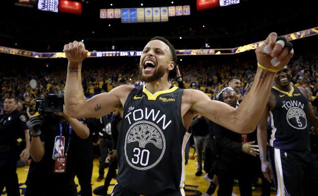 Steph Curry je ob odsotnosti Kevina Duranta spet prevzel vlogo prvega zvezdnika ekipe. FOTO: AFP