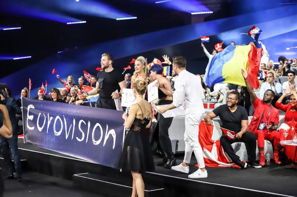 FOTO:Vse barve nocojšnje Evrovizije