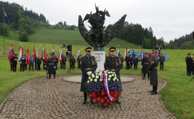 Spomnik Svobodi in miru na Poljani pri Prevaljah. FOTO: Mateja Kotnik