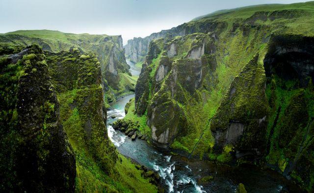 Čudoviti kanjon Fjaðrárgljúfur. FOTO: Shutterstock
