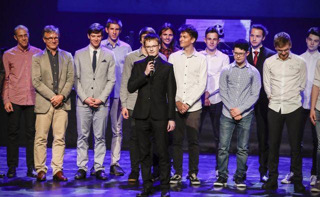 Slavnostna podelitev nagrad tekmovanj iz matematike, fizike in astronomije ob 70-letnici DMFA Slovenije v Cankarjevem domu. FOTO: Uroš Hočevar/Delo