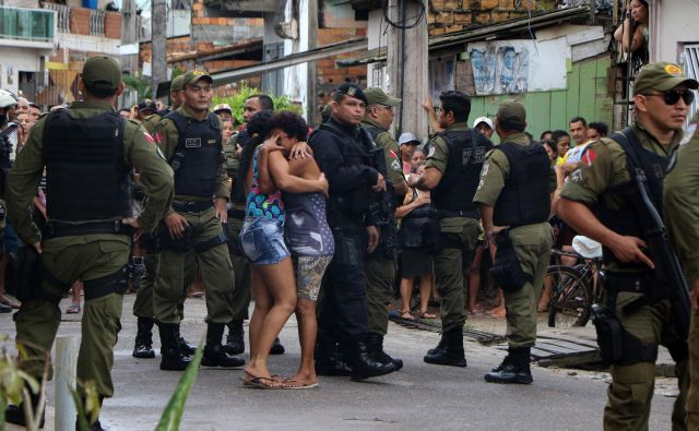 Število umorov v Braziliji je leta 2017 po poročanju <em>STA </em>doseglo rekordno raven s 64.000 umori. FOTO: Claudio Pinheiro/AFP