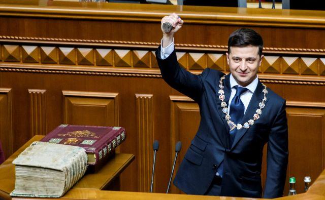 Prvi korak novega ukrajinskega predsednika je bila razpustitev parlamenta. FOTO: Reuters